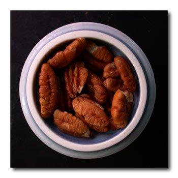 dish of pecans